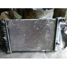 Радиатор охлаждения Opel Vectra A