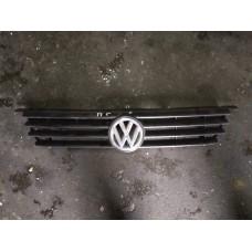 Решетка радиатора Volkswagen Polo 1997г.