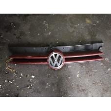 Решетка радиатора Volkswagen Golf 4